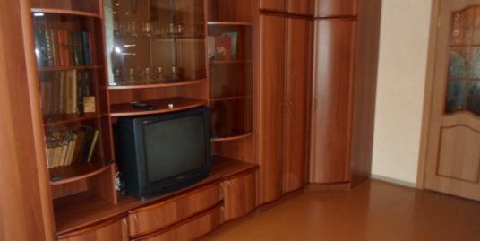 Продаётся 2-х комнатная квартира Комсомольская д.4
