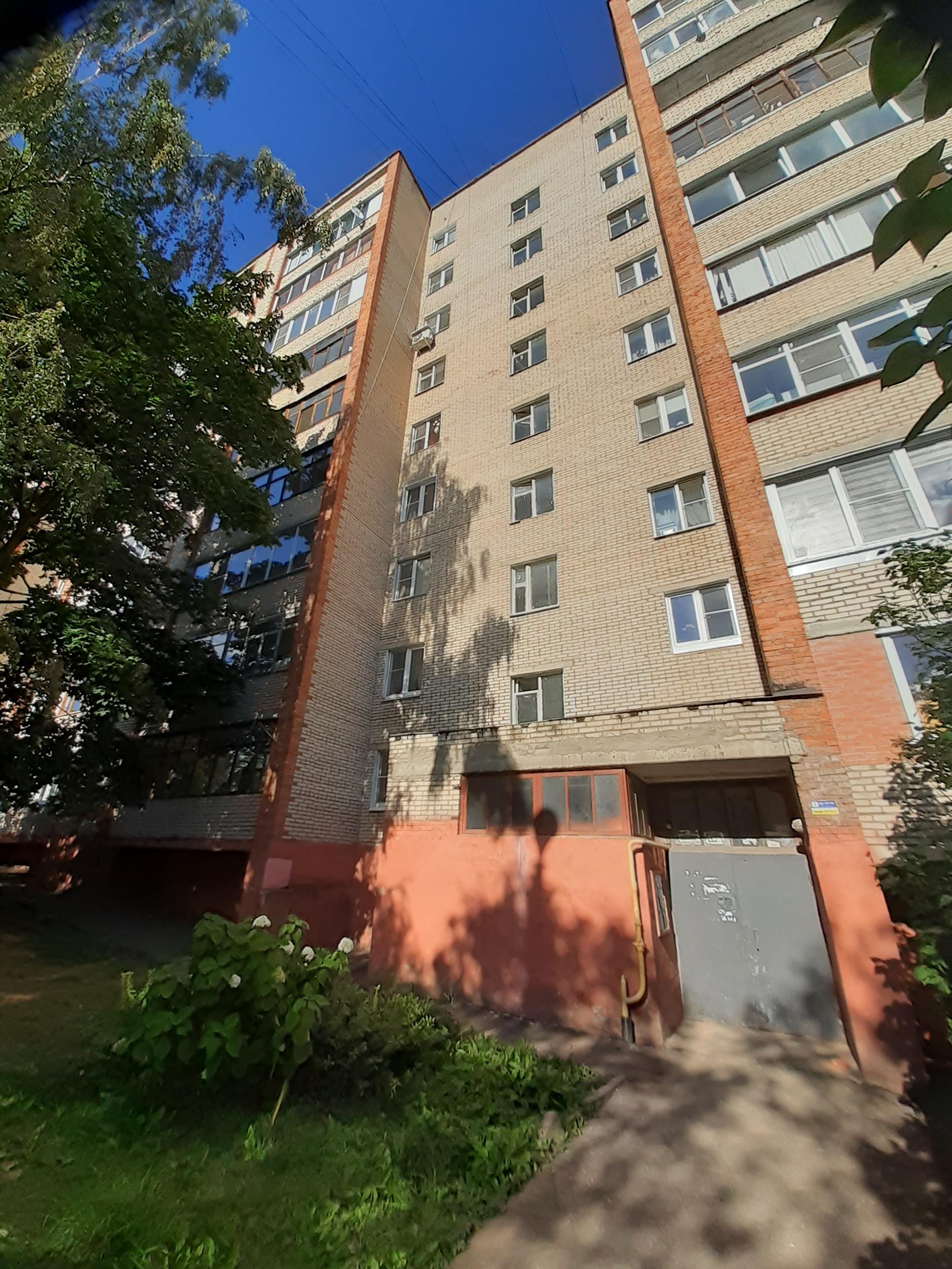 Продается 1-комнатная квартира мкр. Северный, дом 28